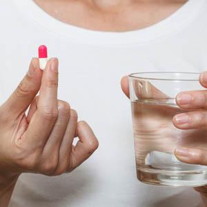 CertainPeoplemayBenefitfromAntibioticsBeforeImplantSurgery